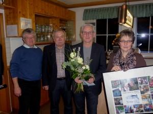 Der scheidende Erste Vorsitzende Karl Laux mit der Vorstandschaft (v.l. Klaus Zischler, Dieter Früh, Karl Laux, Claudia Schmoll)